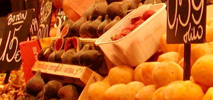 Fruit Stand in Mercat de la Boqueria